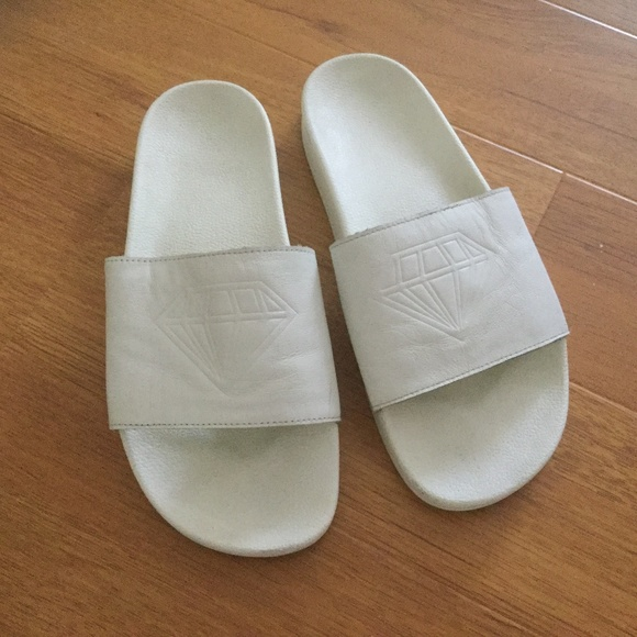 adidas Shoes - Adidas leather slipper (unsex) size 9
